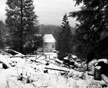 """Vista desde la cabaña del Sr. Hubbard en Port Orchard, Washington, donde escribió """"Excalibur"""" en 1938, fotografía de L.Ronald Hubbard."""