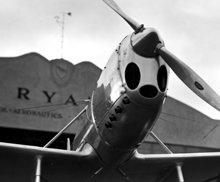 Het vliegtuigje de Ryan ST in zijn experimentele fase dat door L. Ron Hubbard is gefotografeerd voor het tijdschrift de Sportsman Pilot.