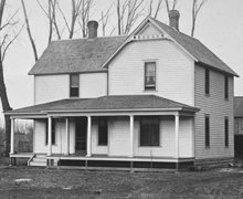 Familjen hem i Tilden, Nebraska, cirka 1910.