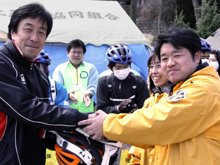 Kesennuma city council member Mr. Moriya, who also heads the disaster response headquarters in Hashikami, thanked the Volunteer Ministers for their effective and unique assistance to the area and urged them to continue.