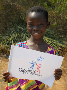 Las Giras Mundiales de Jóvenes por los Derechos Humanos Internacional  tocan las vidas de decenas de miles de jóvenes.