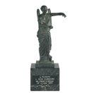 Statua onorifica – Provincia di Brescia, Italia Conferita a L. Ron Hubbard in riconoscimento delle sue opere e scoperte come filosofo.