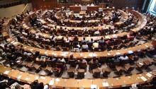 Afgevaardigden uit 49 landen ontmoeten diplomaten en leiders op het gebied van de mensenrechten, om mensenrechtenactivisten te huldigen en om de première bij te wonen van de 30 non-profit commercials die de Universele Verklaring van de Rechten van de Mens promoten.