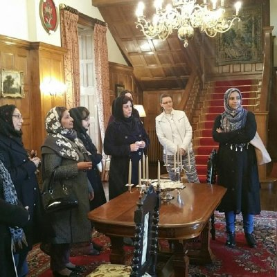Interfaith relations flourish as Ahmadiyya Muslim Ladies Tour Scientology headquarters at Saint Hill
