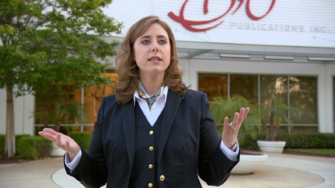 Mollie Hoertling, International Management